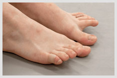 Toe swapping exercise to strengthen your feet